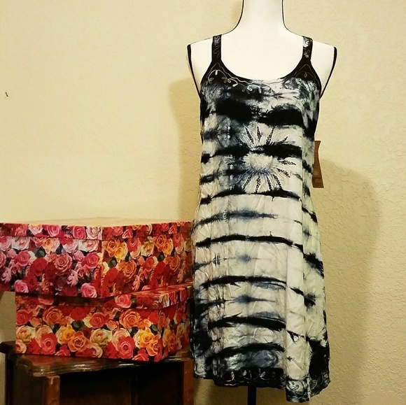 b96c98e377af Raya Sun Boho Embroidered Dress